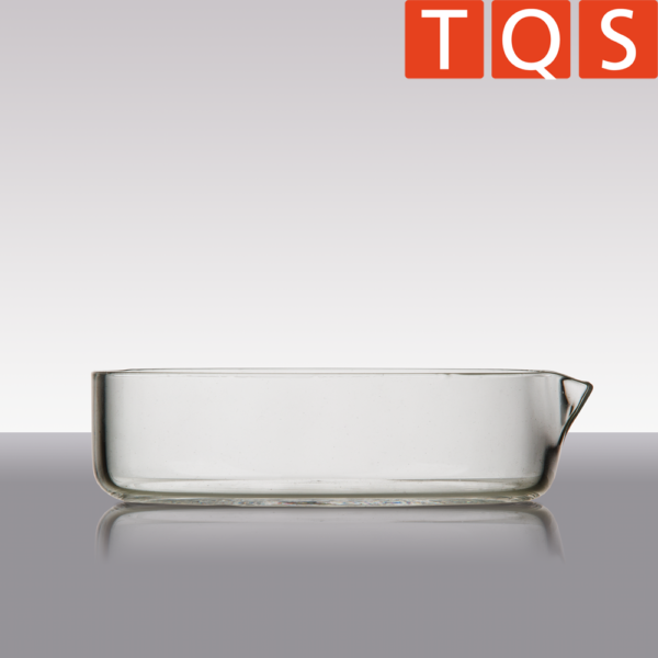 Quartz Glass crystallising dish with spout