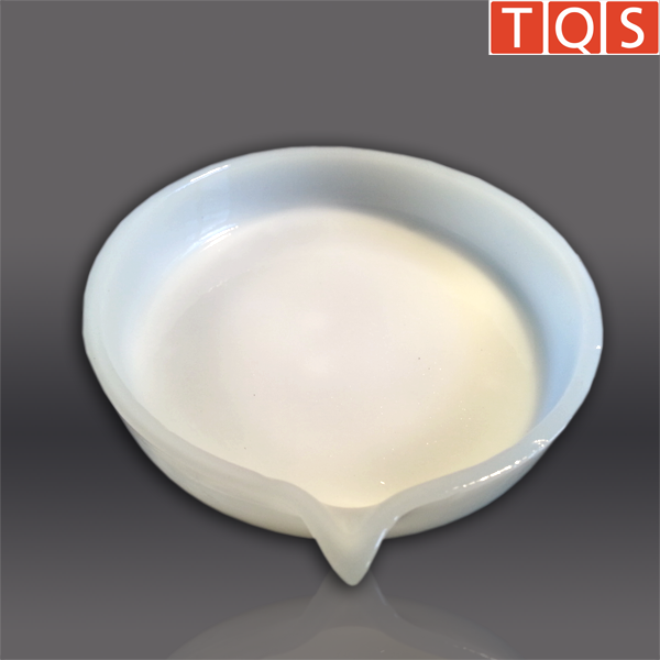 Quarzgut-Schale – niedrige Form, mit Ausguss